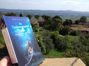 An-Unchoreographed-Life-in-Tuscany-with-Helen-Williams-300x224